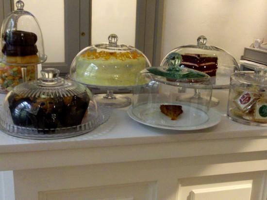 Mostrador de tartas del Café del Jardín