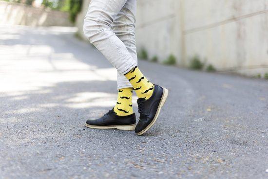 calcetines bigotes para padres hipsters