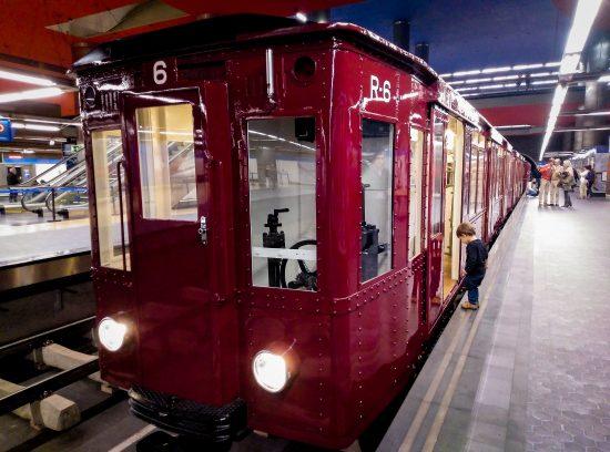 Exposición del centenario del Metro de Madrid. Exterior coche ventas