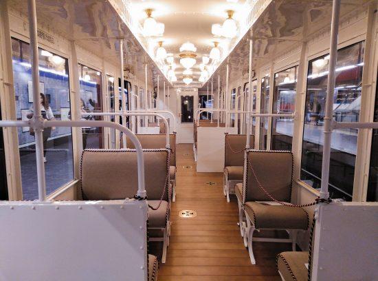Exposición del centenario del Metro de Madrid. Interior coche Cuatro Caminos