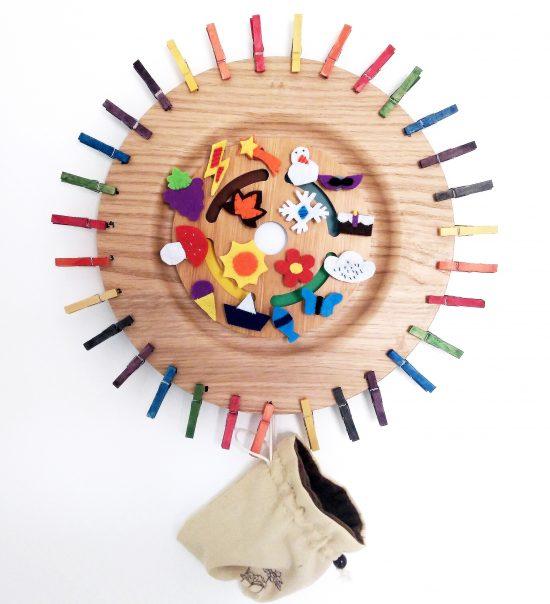Calendario Waldorf Montessori DIY para colgar por menos de 20 euros