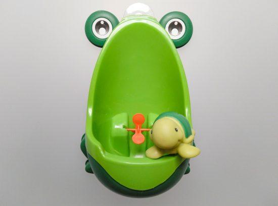 Accesorios para una operación pañal más fácil: Urinario ranita
